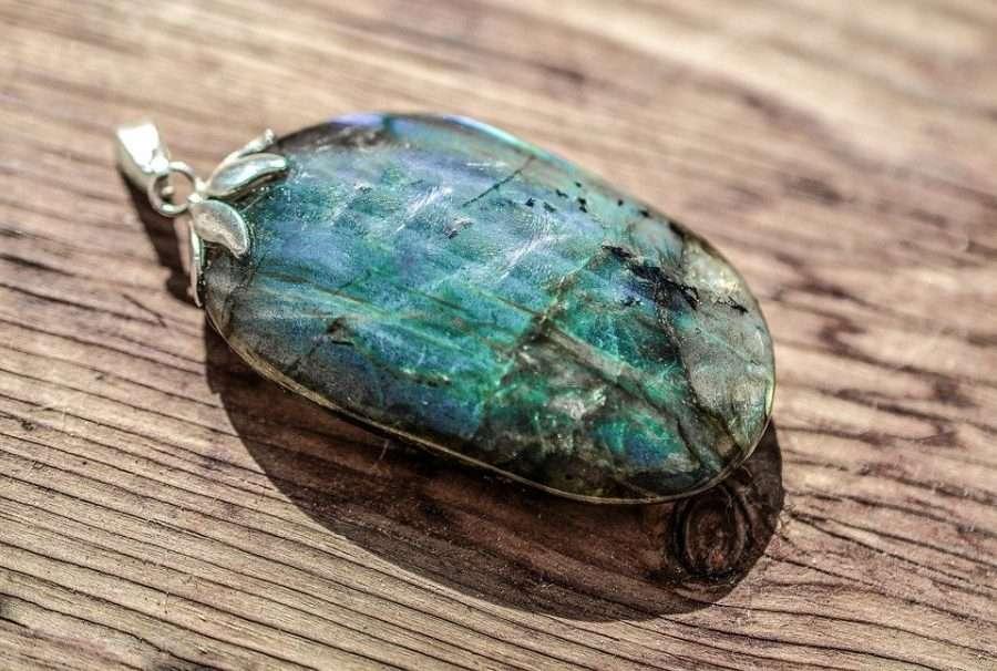 crystal healing labradorite