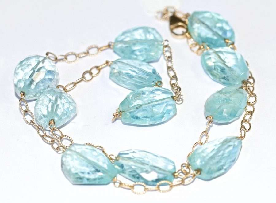 zodiac sign aquamarine